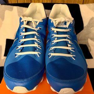 ✨NEW ITEM✨ 👟💙 Nike Reax 9 👟💙